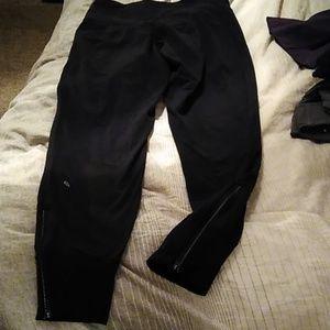 Lululemon size 6 black reflective pants